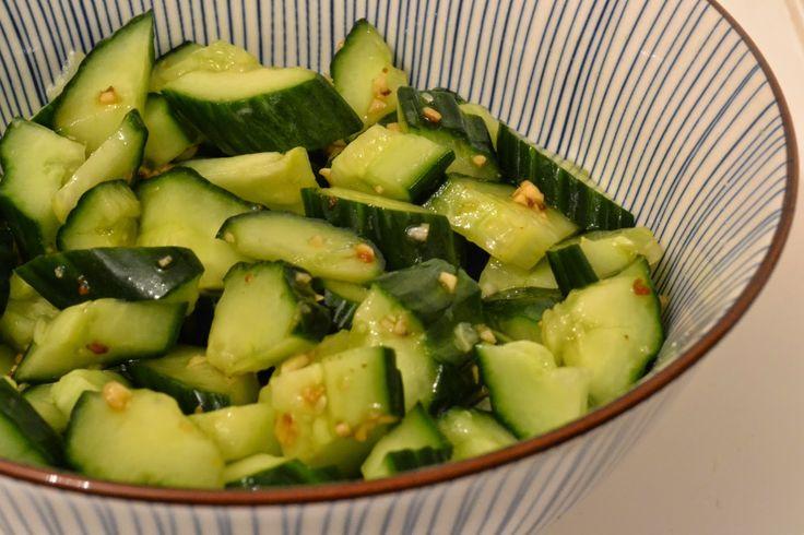 Bij eenChinese maaltijd worden veel groenten geserveerd. Geblancheerde en geroerbakte bladgroente zoals paksoi, spinazie, snijbiet en ch...