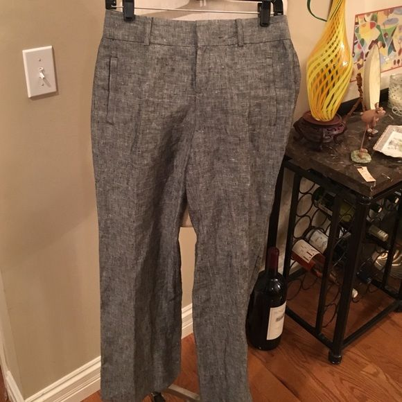 Ladies sz 7 (29) Gray linen slacks. NEW! These ladies sz 8 gray linen slacks are new without tags and the pockets are sealed.  The brand is unknown.  I believe they arenAnn Taylor the inseams 30.5. Unknown Pants Trousers