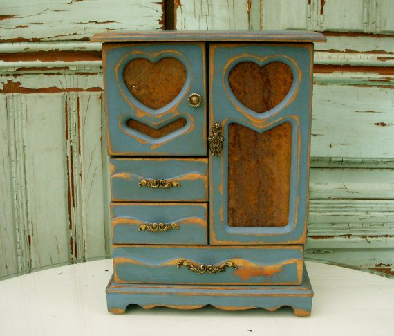 What kind of jewellery box do you prefer? Coursework help! URGENT!!?