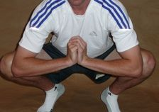 4 Easy Ways to Stretch the Groin Muscles: Squatting Adductor Stretch