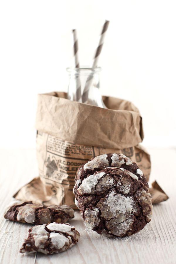 Gennaio {#Vogliadi…#Cioccolato}  Biscotti screpolati al doppio cioccolato - Cracked double chocolate cookies