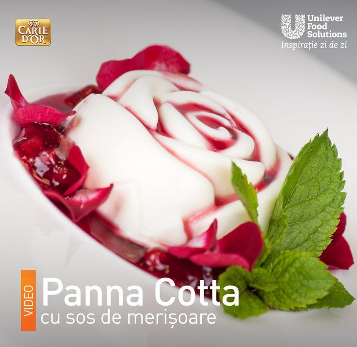 PANNA COTTA CU SOS DE MERISOARE