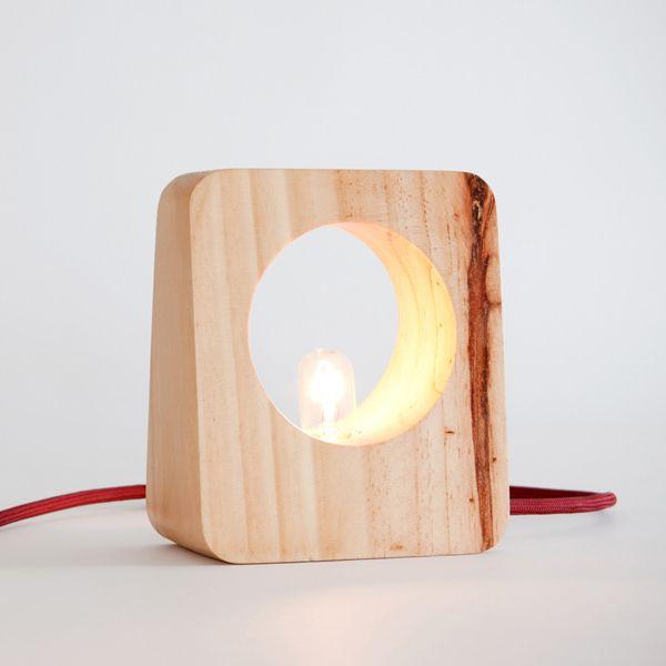 Luminaria de madera.