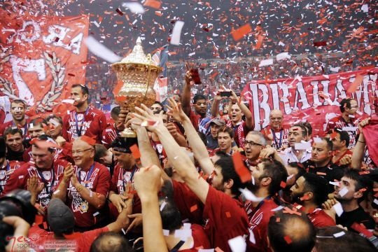 Olympiacos Piraeus(Greece)......   New champ in Greece 2012...