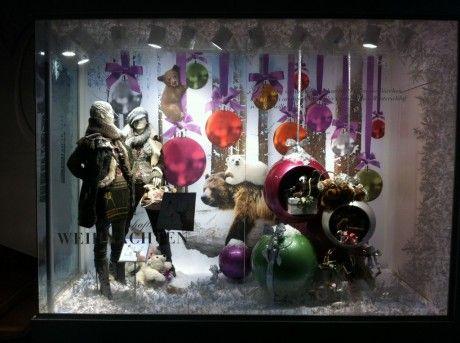 Risultato della ricerca immagini di Google per http://www.desainer.it/images/2011/12/vetrina-natalizia-addobbi-originali-460x343.jpeg