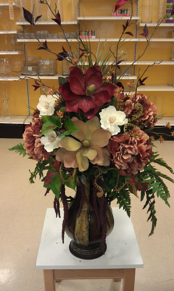 Customer piece. Magnolias and rust