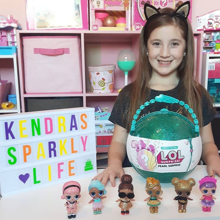 Home from school and ready to open the long awaited #lolpearlsurprise #kendrasparklylife #sparklebright #lolsurprisedolls #lollilsisters  #surprise #loldolls #lolsurprisepearl  #lolsurprisedollsseries3 #glitterseries #mgae #letsbefriends #collectlol #dollphotography #lolsurprise #toycollectors #lols #lolseries2 #toycommunity #kidsblog #igkids #toys #unboxing #toyhunt #toyreview #toysofinstagram
