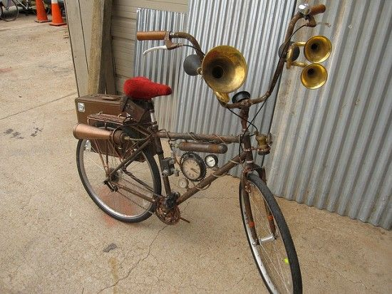 Shaking the dust off old bikes, steampunk fans have proven that with some repurposed accessories and a healthy dose of creativity, almost anything is possible!