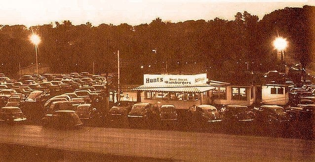 "The ""OLD"" Hunts on Farmington Rd., Peoria, Illinois. Had the best tenderloins. Long gone :("