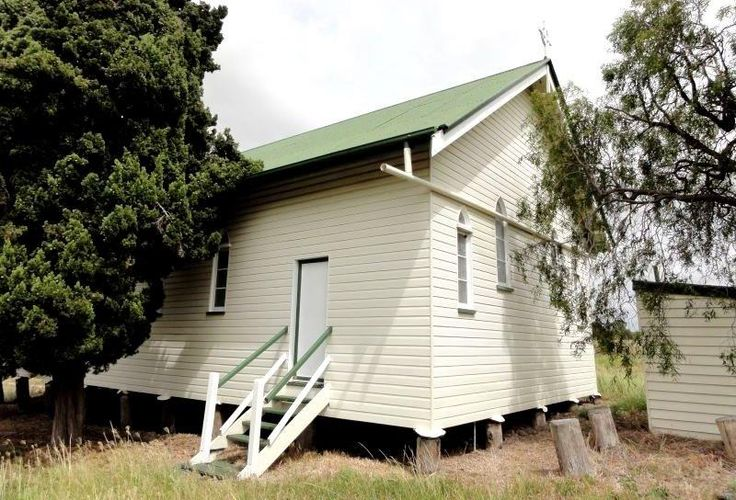 COUNTRY CHURCH FOR REMOVAL