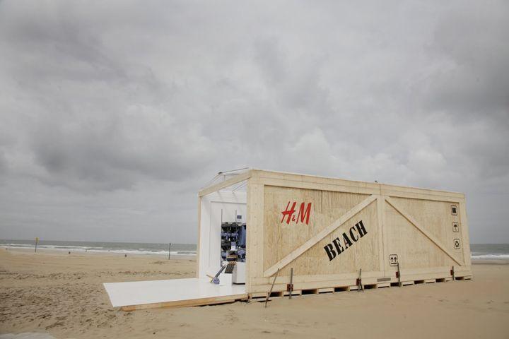 H Beach Pop-up Store