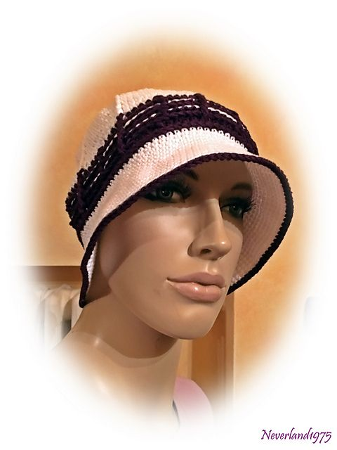 http://www.ravelry.com/projects/neverland1975/pompom-summer-hat