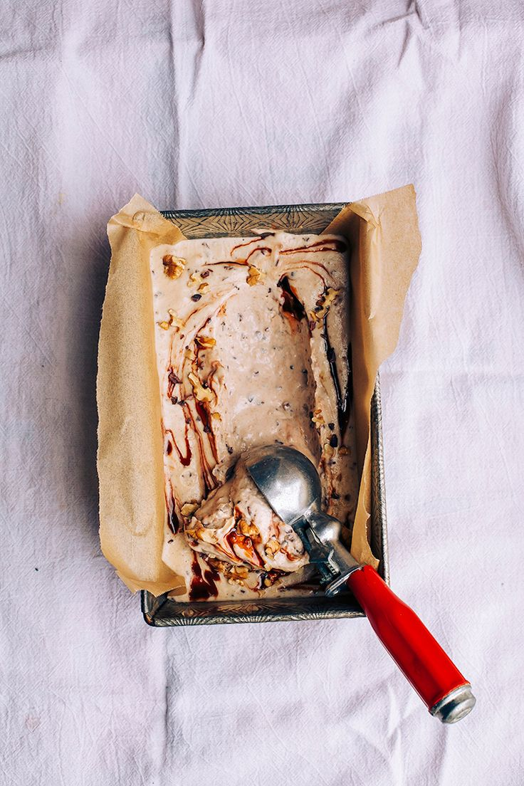 raw + vegan chunky monkey ice cream // via @thefirstmess