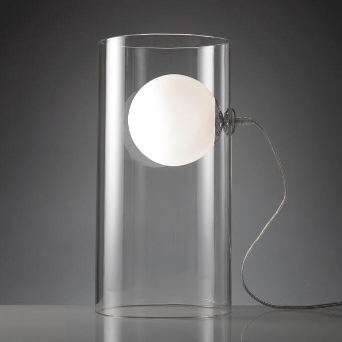 LAMPADA O977  Lampada da tavolo Clear con base cilindrica in vetro trasparente. Dimensioni: diam. 20x40 h. cm. Mascagni Casa