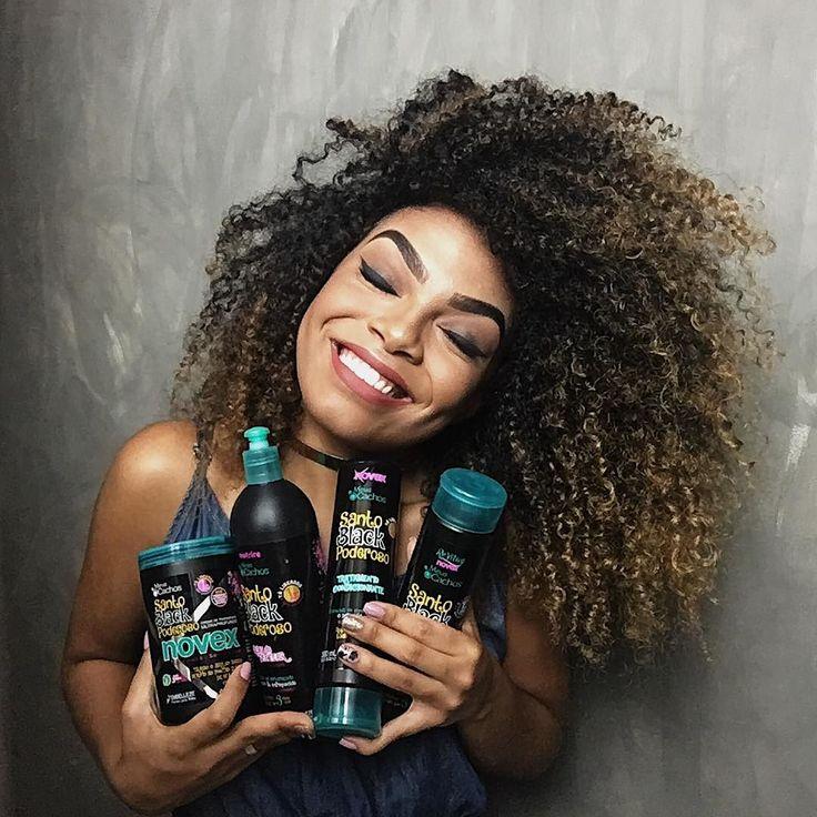 BRASIL SEGUREM O FORNINHO DE VOCÊS PORQUE ESSA NOVIDADE É DAS BOAS!  #Embelleze lançou a linha completa de SANTO BLACK PODEROSO! Agora além do creme de tratamento que eu AMO agora temos: - Shampoo - Liberadão e que mesmo assim faz uma leve espuma para deixar nosso banho mais agradável; - Tratamento Condicionante - Também liberado e deixa o cabelo macio facilitando a escovação. - Creme de pentear/Finalizador - Deixa o cabelo com um super volume e brilhoso.  Foi muito difícil segurar essa…
