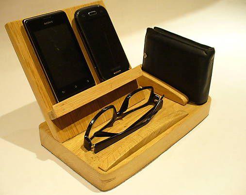 Wood / Stojan na mobil a ostatné dôležité veci