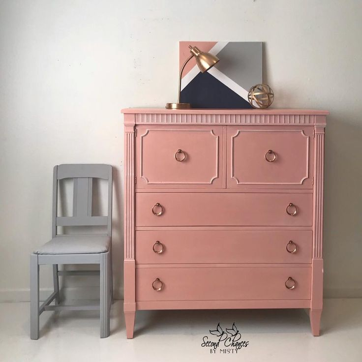 I finished this blush beauty up a few days ago! Chair painted #ParisGrey. Chest painted a custom mix of #scandavianpink #cream and a touch of #emperorssilk. Clear Waxed to seal. All @anniesloanhome products. Even the canvas. Available for purchase! Etsy Link in Bio.#winanniesloan #homedecor #paintedfurniture #secondchancesbymisty  #Regram via @secondchancesbymisty