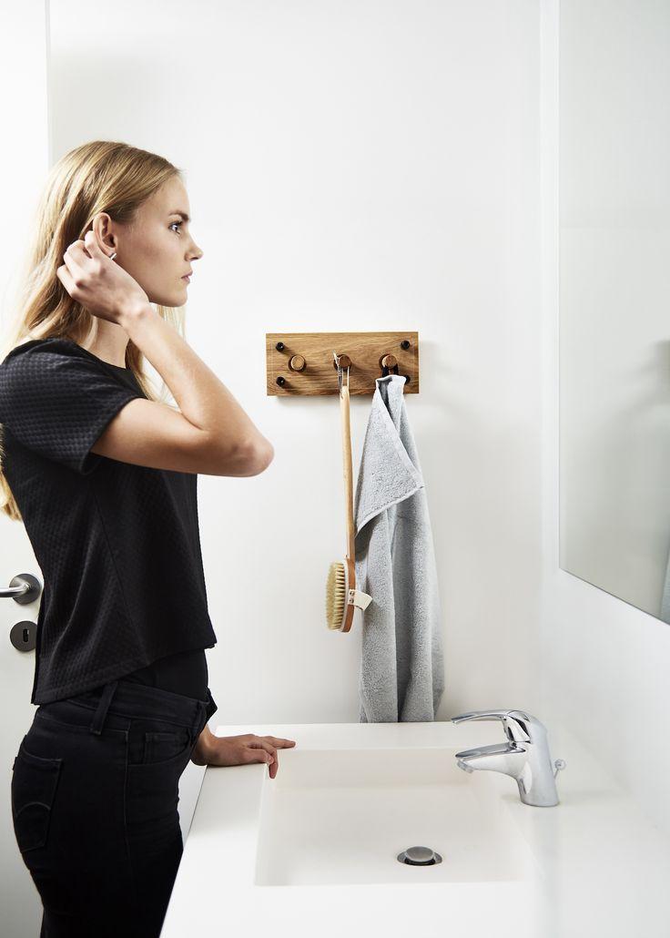 Moodboard 1X3 Oak - Magnetic Hanger System - Bathroom