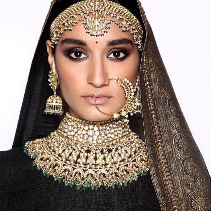"""The perfect Bride! #Sabyasachi #SabyasachiBride #Jewellery #KishandasForSabyasachi #HandCrafted #Jadau  #Heritage  #Pearls #Emeralds  #Mathapatti  #Nath…"""