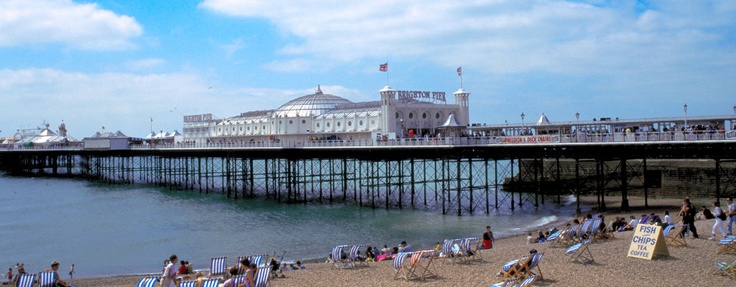 Enjoy Brighton Beach, one of England's most liveliest places.   (© Visit Brighton) #brighton #beach #gb #greatbritain #grossbritannien #strand