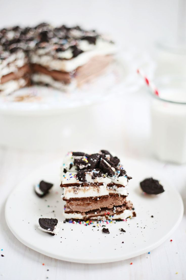 Easiest Ever Ice Cream Cake via A Beautiful Mess via Bloglovin.   Wendy Schultz - Ice-cream and Sorbet Recipes.