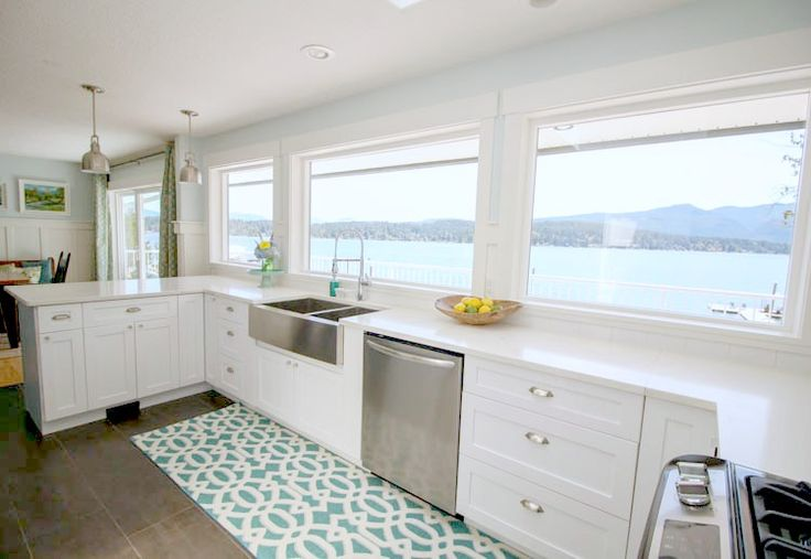 Gorgeous-Coastal-style-white-shaker-kitchen-with-aqua-blue-at-thehappyhousie.com-14