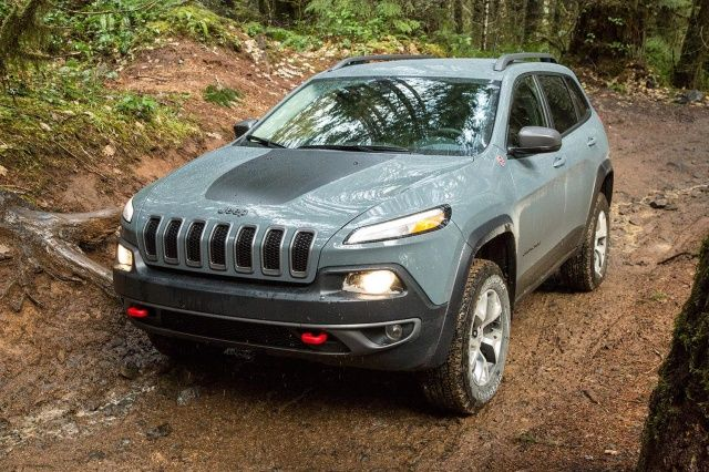 2015 JEEP CHEROKEE TRAILHAWK REVIEW