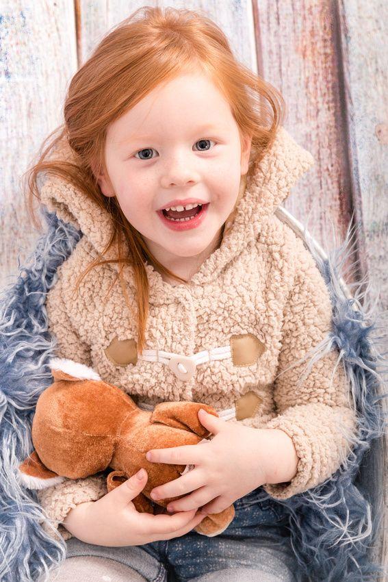 #Kids #redhair# photography #portrait #Kinderfotografie #teddy #backdrop #Children #cute #fotograf #kisslegg #wangenimallgäu #bodenseekreis #ravensburg