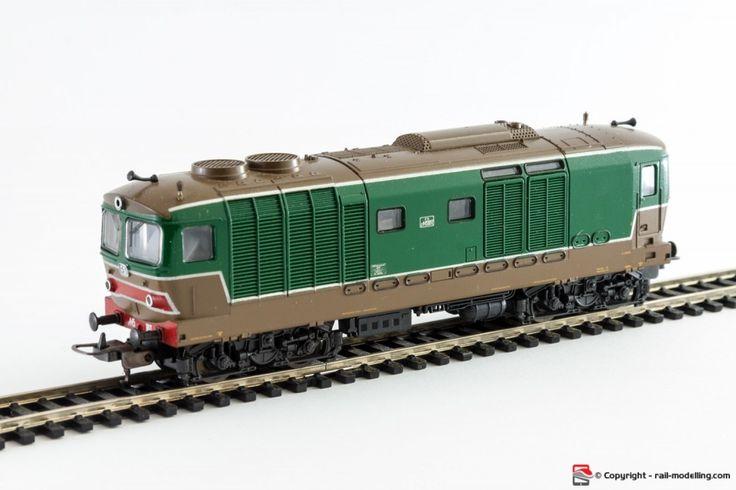 LIMA 208151LG - H0 1:87 - Locomotore diesel FS D 445 1028 livrea originale verde marrone con confezione