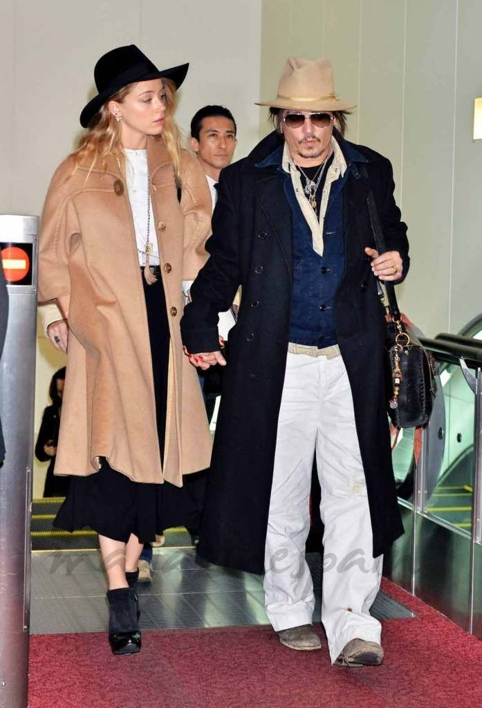 Johnny Depp aterriza en Tokio con la gira promocional de 'Mortdecai'