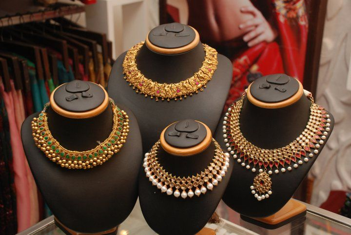 SakhiFashions presented a special Showcase of Stunning jewelry by the house of Amrapali.  Ph: +919900033636. http://www.facebook.com/SakhiFashions
