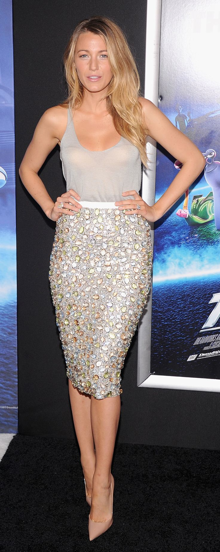 Blake Lively wearing Burberry to attend the premiere of Turbo