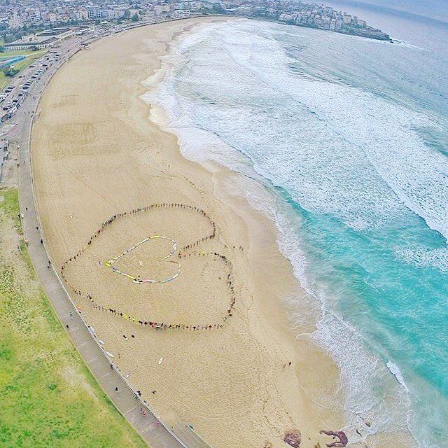Lots of L O V E down at BONDI beach this morning for R U OKAY day supporting @ruokday @onewaveisallittakes asking people R U OKAY, together let's get talking and support one another : One LOVE  pic @onlyinbondi #stretcheyz #sea #surf #surfing #beach #sand #waves #surfwear #surfer #surfsuit #swim #ocean #bondi #kiteboarding #yoga #activewear #surfleggings #leggings #kiteboarding #rashguard #wakeboarding #kitegirl #spring www.stretcheyz.com
