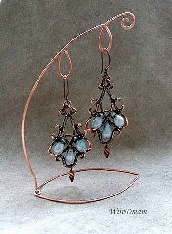 Lovely wire stand to display the earrings