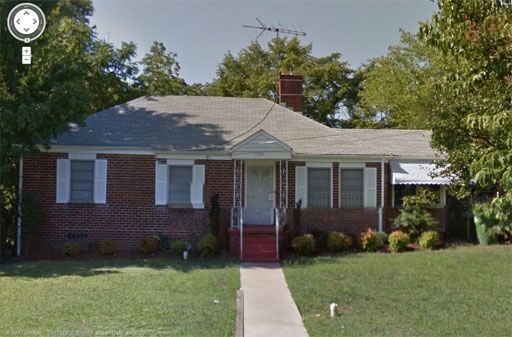 Nel 1987, in una casa di Atlanta, sono state ritrovate macchie di sangue umano e la casa è stata ribattezzata: la casa sanguinante.