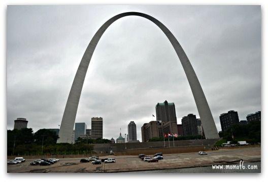 St. Louis Gateway Arch - Saint Louis, MO - Kid friendly activity reviews - Trekaroo #StLouis #trootrip #familytravel