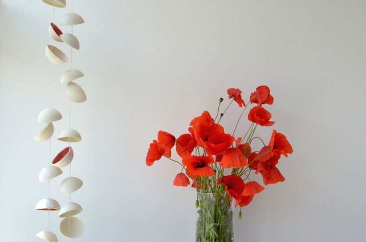 ❍ Porcelain nine red poppies by Otchipotchi . June 2016