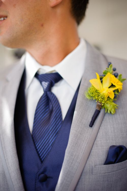 navy and yellow for the groom