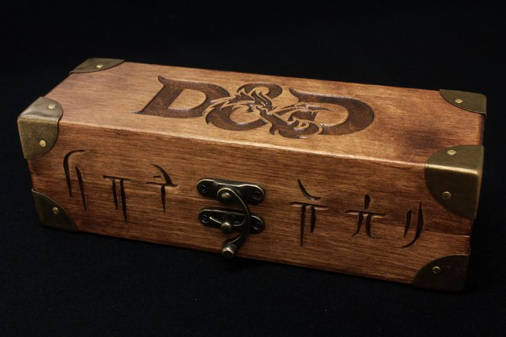 Dungeons & Dragons – Wooden dices box  Scatola contenitore per set di dadi personalizzata Dungeons & Dragons
