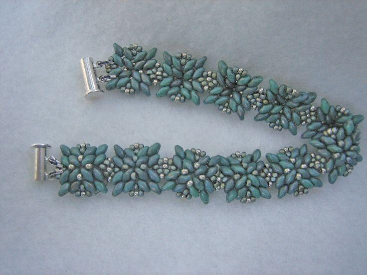 Victoria Rumiantzeva bracelet with different component orientation ~ Seed Bead Tutorials