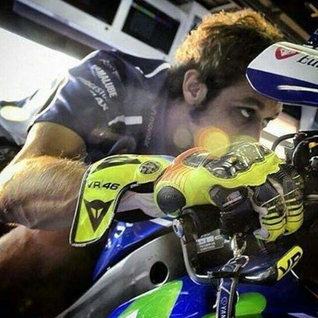 Valentino Rossi Yamaha MotoGP racemotor VR46
