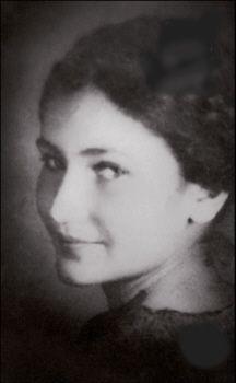 Simone Veil - Femme politique française. Magistrate, première femme Présidente du Parlement européen, ministre de la santé, promulgue en 1975 la loi permettant l'IVG en France.