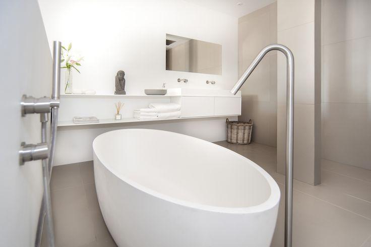 25 beste idee n over spa badkamer ontwerp op pinterest spa badkamer inrichting borrel for Ontwerp bad