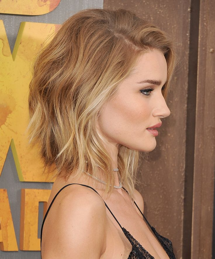 Rosie Huntington-Whiteley messy wavy short bob lob