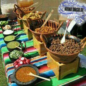 Bufetes de comida mexicana Caseras  Molcajetes, salsas, ollas de barro