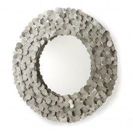 Spiegel - Wenda - Zinken spiegel - LaForma-KaveWenda zoekt een nieuwe muur om aan op gehangen te worden! Krijgt deze zinken ronde spiegel een plekje bij jou?