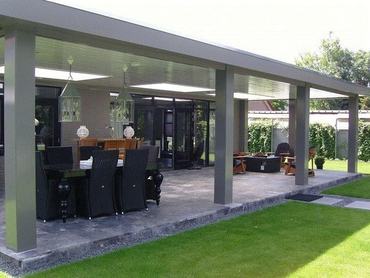 17 beste idee n over tuinhuizen op pinterest pottenbakloodsen fee n tuin en sprookjeshuizen - Veranda met stenen muur ...