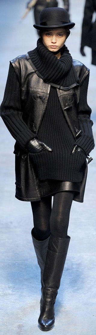 Farb-und Stilberatung mit www.farben-reich.com - Hermès Black Leather Jacket and Boots