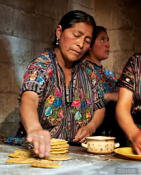 Learning how to make tortillas direct from the source - A Guatemalan family!