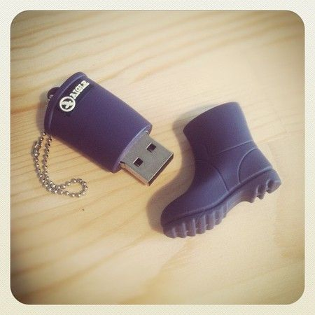 AIGLE : レインブーツ型USBメモリースティック | Sumally